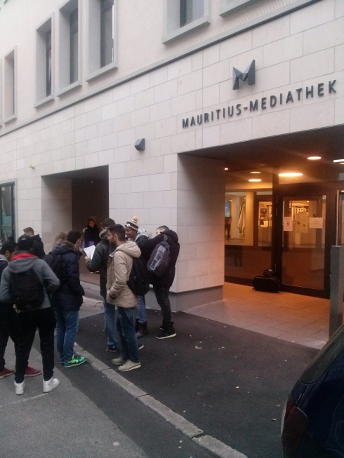 Fachoberschüler erkunden die Mauritius Mediathek