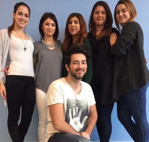 Das Projektteam von links:Bjanka Blazevic, Monika Ritan, Ceren Can, Gizem Aktas, Katharina Weyershausen. Unten:Dennis Gil Paquito.